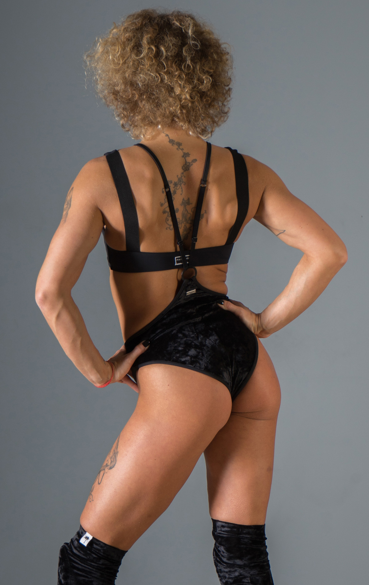 WOMANKINI_BLACK_VELVET_BACK_2_web