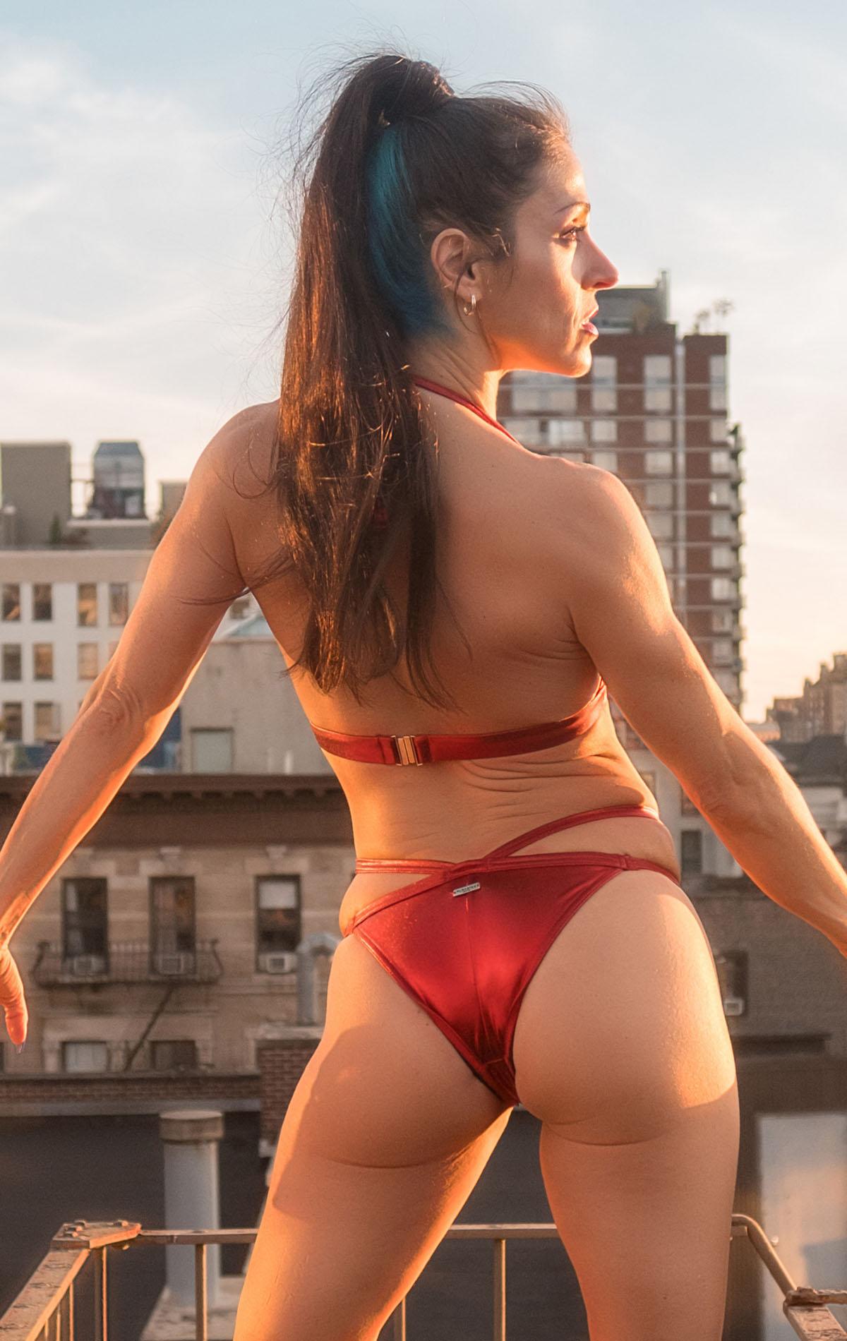 JENI_SHIMMERING_TOP_red_back