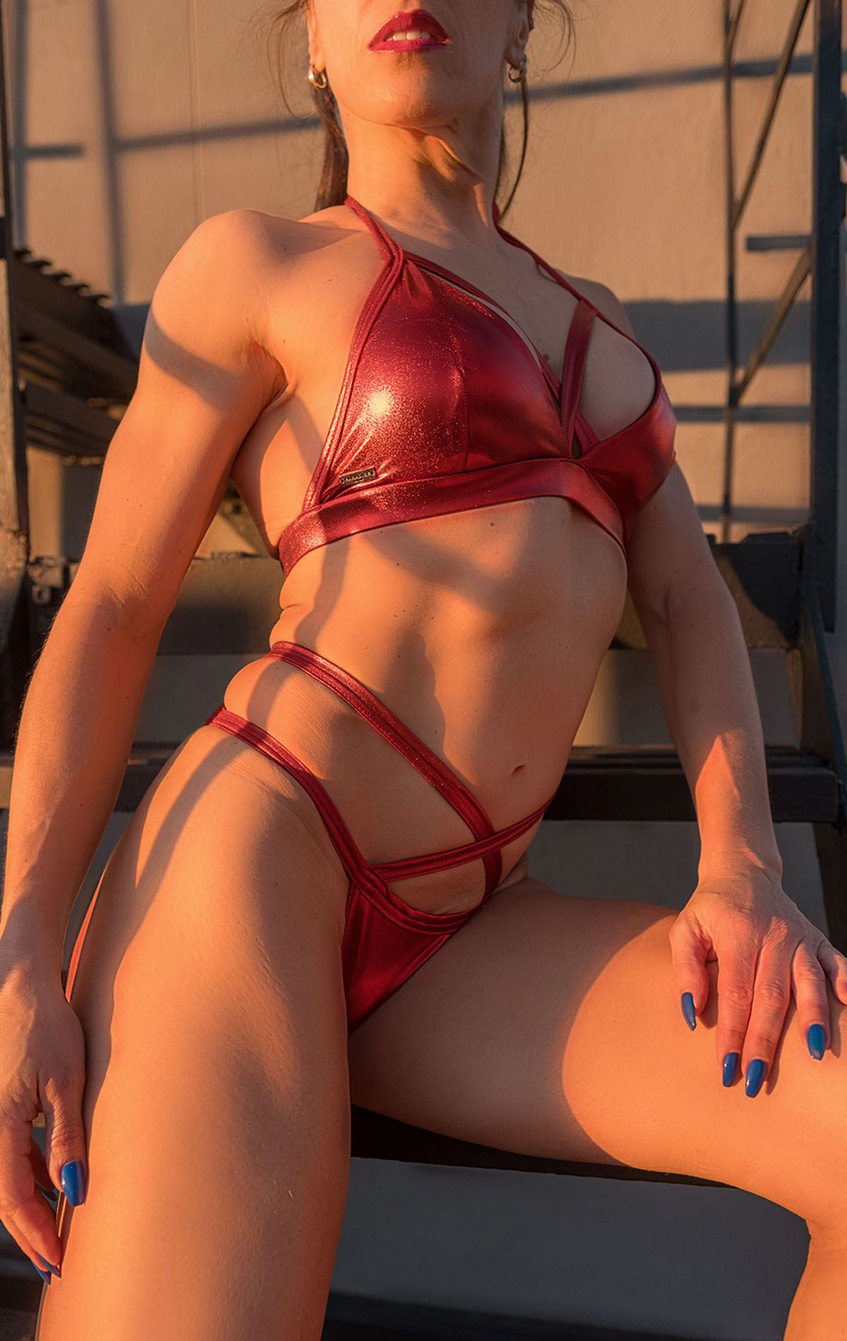 JENI_SHIMMERING_TOP_red_front_02