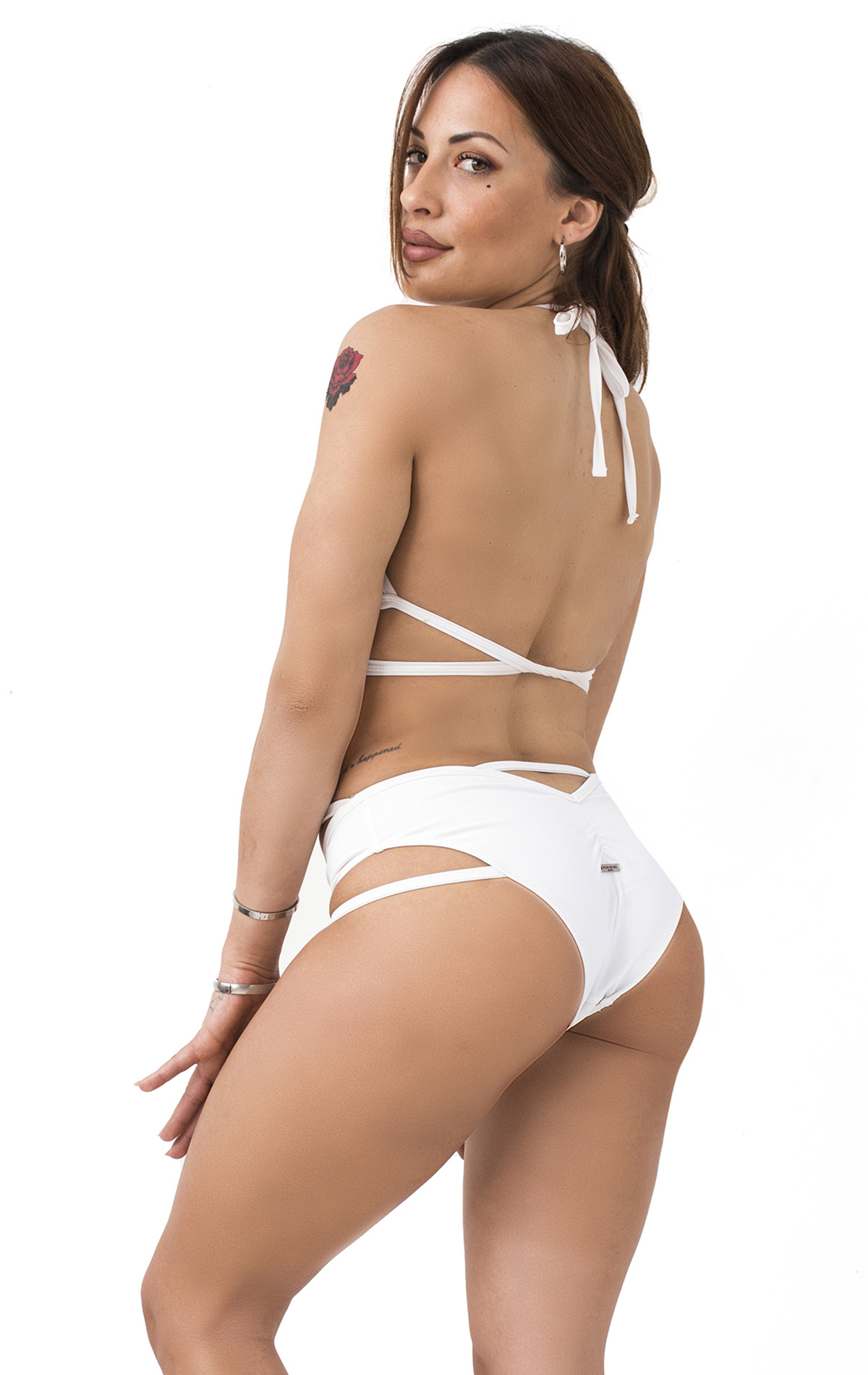 cutout_white_bottom_02